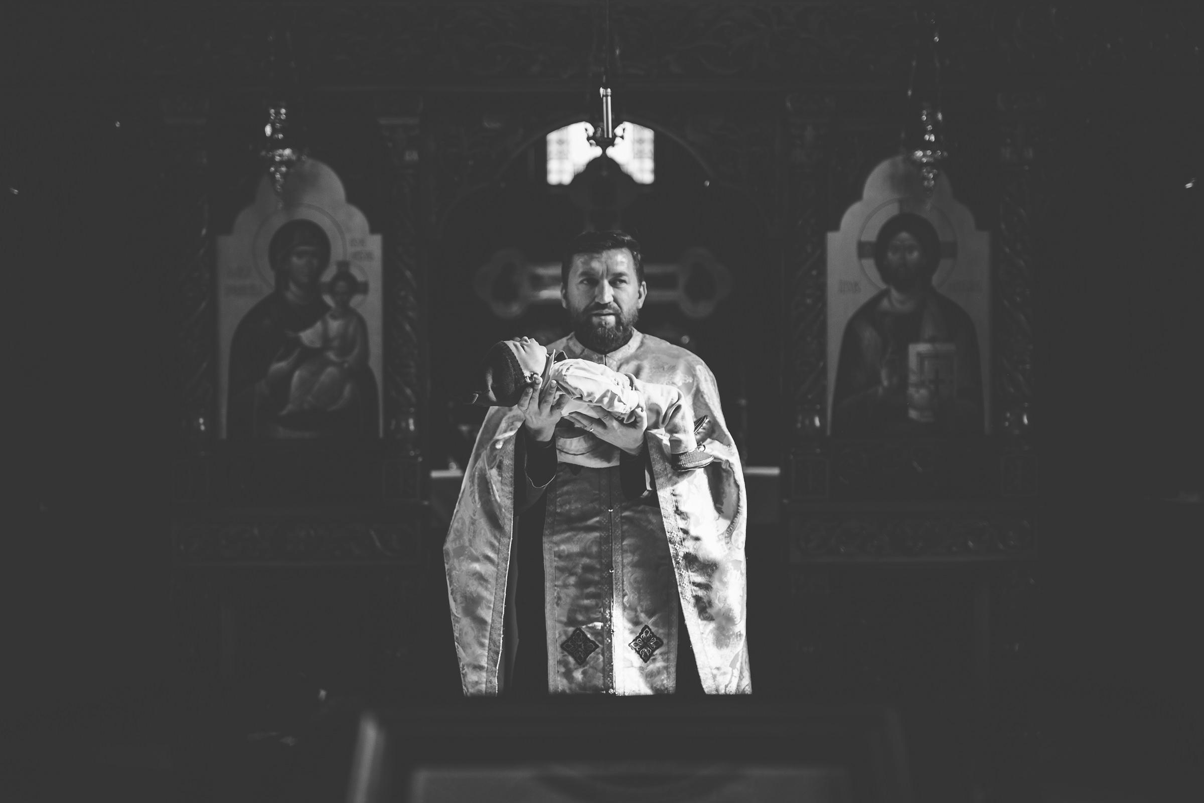 fotografii ceremonie ortodoxa botez